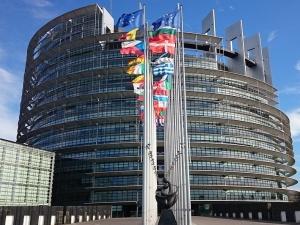 Rozpoczynająsię wybory do Parlamentu Europejskiego. DziśHolandia i Wielka Brytania