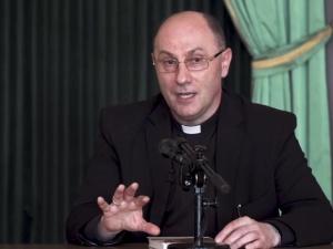 GW zachęca czytelników do pójścia na niedzielną Mszę św., by skontrolować kazania. Internet odpowiada