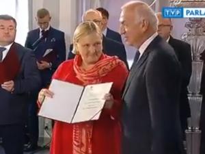 [Wideo] Uścisk dłoni to za wiele - Róża Thun i Bartosz Arłukowicz ostentacyjnie nie przywitali się z...