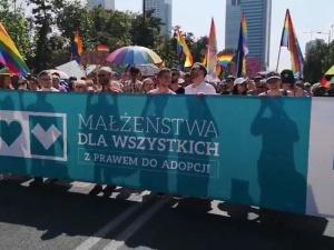 [video] Parada Równości postuluje małżeństwa i adopcje LGBT. Gmyz i Palade komentują