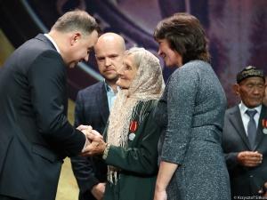 """Prezydent przyznał nowe medale - Virtus et Fraternitas. """"Jesteście naszymi siostrami i braćmi"""""""
