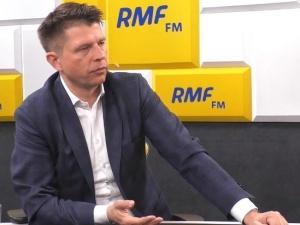 """""""Skończyło się rumakowanie """"polskiego Kennedy'ego""""!"""". Internauci komentują odejście Petru z polityki"""