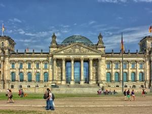 Niemiecka lewica wezwała do wypłaty reparacji Polsce i Grecji. Die Welt oskarżył ją o manipulacje