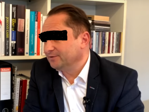 """Dziennikarz """"GW"""" broni Kamila D. """"Chciałbym przypomnieć, że miał z czego upaść"""""""