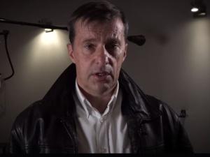 """[video] """"Musimy walczyć o pamięć i prawdę"""". Witold Gadowski zaprasza na Wielki Marsz Polaków w Auschwitz"""