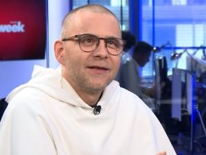 """""""By podał się do dymisji"""". O. Gużyński nawołuje wiernych by pisali listy do abp. Jędraszewskiego"""