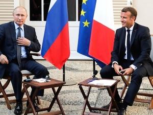 [Tylko u nas] Marek Budzisz: Macron – Putin, czyli strategiczne zbliżenia słabnących mocarstw.