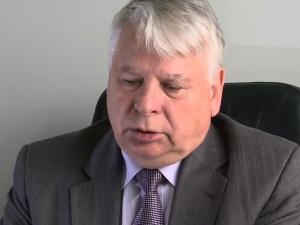 Senat ujawnił wykaz lotów Borusewicza o statusie HEAD. 12 razy na pokładzie była jego córka