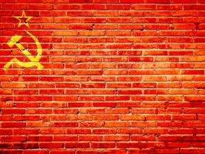 """Kanadyjska polityk: """"Komunizm dotyczy miłości"""". Wybranowski: Niewiarygodna głupota, plucie na groby..."""