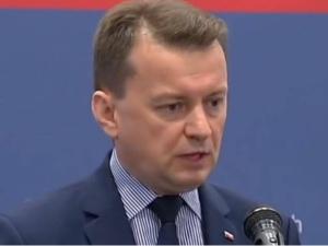 """Wojsko rozpoczęło budowę mostu pontonowego na Wiśle. Min. Błaszczak: """"Dziękuję żołnierzom..."""""""