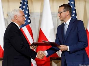 Morawiecki i Pence podpisali deklarację w sprawie sieci 5G
