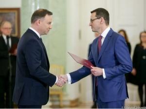 Sondaż zaufania: Prezydent i premier na czele stawki