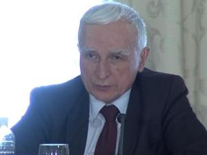 """Atom """"filarem polityki energetycznej Polski"""". Naimski zapowiedział rok powstania pierwszego reaktora"""