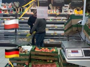 Niemieckie ziemniaki miały w Biedronce udawać polskie. Rolnicy wściekli