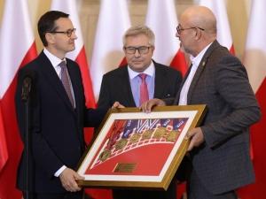 """Premier: """"Gdy siatkarze wygrywają, to rosną skrzydła wszystkim Polakom. Gratuluję sukcesów..."""""""