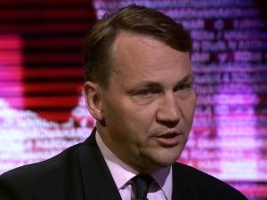 Radosław Sikorski oddał głos w OKW w Samoklęskach Dużych