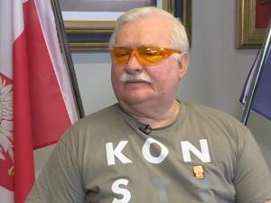 """""""Marszałek pedofilem, prezydent błaznem"""". Wałęsa udostępnia obraźliwywpis"""