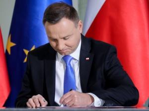 Prezydent podpisał ustawę, która ma zwalczać nielegalną adopcję