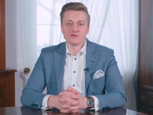 Bartosz Lewandowski: Denis Lisov z córkami wracają do Rosji