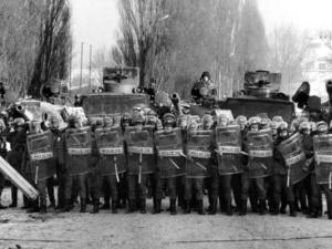 2 grudnia 1981 r. Pacyfikacja strajku w Wyższej Oficerskiej Szkole Pożarniczej. Preludium stanu wojennego