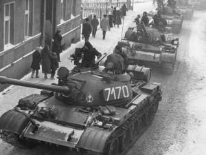 """""""To była wojna wypowiedziana własnemu narodowi"""". W Radiu Gdańsk wspomnienia świadków Grudnia '81"""