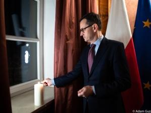 """Mateusz Morawiecki: """"Pamiętamy o ofiarach stanu wojennego i czołgach wyprowadzonych przeciwko narodowi"""""""