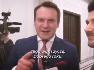 """[video] """"Chcieli życzenia - mają"""". Tarczyński nokautuje redaktora """"GW"""" życzeniami świątecznymi"""