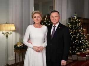 """[video] Para Prezydencka na Boże Narodzenie: """"Niech wigilijny stół jednoczy nas i łączy..."""""""