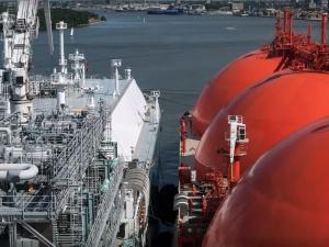 Rosja wstrzymała dostawy ropy na Białoruś. Litwa gotowa pomóc sąsiadowi