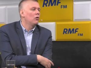 """[video] Mazurek: """"Grodzki mówi, że przyjął 2000"""". Siemoniak: """"... Ufam prof. Grodzkiemu"""""""