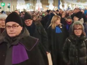 """Apolityczna demonstracja? """"Apeluję i proszę, byśmy nie głosowali na Andrzeja Dudę"""""""