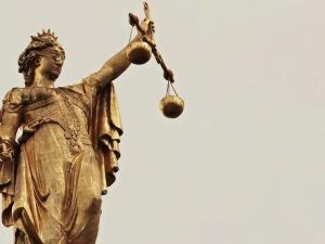 """""""Próby anarchizacji państwa przez środowiska prawnicze"""". Mocne stanowisko ZR Środkowo-Wschodniego """"S"""""""