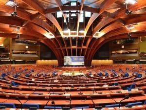 Polska jako jedyna w UE objęta procedurą monitoringu. Przyjęto krytyczną rezolucję w Radzie Europy