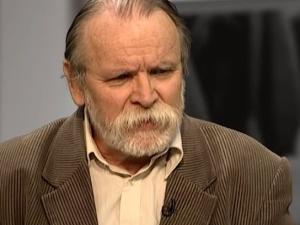 """Adam Borowski ogłosił termin demonstracji w obronie reformy sądów. """"Kto Polskę kocha i w Boga wierzy"""""""