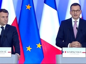 """[video] """"Polska realizując reformę wymiaru sprawiedliwości..."""". Tak premier zripostował Emmanuela Macrona"""