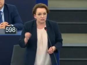 """[video] """"20 tys. Polaków stanęło w obronie reformy sądownictwa"""". Anna Zalewska z mocnym wystąpieniem w PE"""