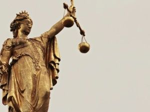 """Sędziowie Sądu Apelacyjnego w Krakowie zapowiadają, że nie będą stosować się do """"ustawy kagańcowej"""""""