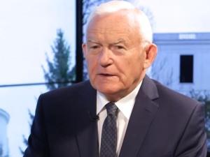"""Miller odnosi siędo taśm opublikowanych przez TVP Info. """"Przepraszam Prezydenta Lecha Wałęsę..."""""""