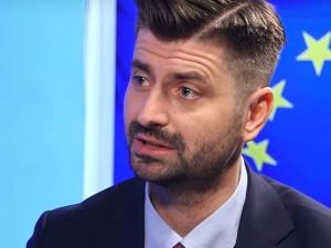 """""""Policzek wymierzony narodowi"""". Partner Roberta Biedronia o czczeniu pamięci Żołnierzy Wyklętych"""