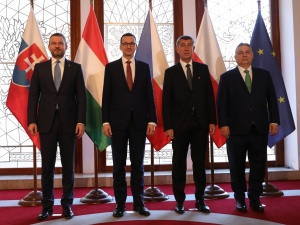 """Premier w Pradze na spotkaniu Grupy Wyszehradzkiej: """"Jesteśmy gotowi pomóc strzec granic zewnętrznych UE"""""""