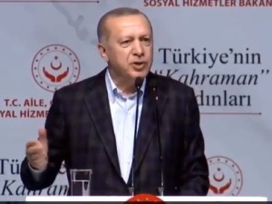 """[video] Erdogan do Grecji: """"Po prostu pozwól migrantom przedostać się do innych krajów w Europie"""""""