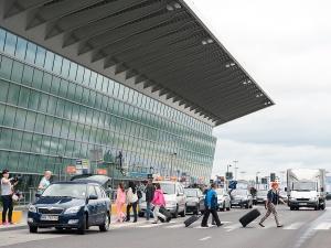 """""""Wszystkich pasażerów rejsu FR 8405 z Londynu Stansted z 8 marca prosimy..."""" Apel lotniska"""