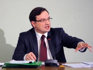 Kontrowersje wokół śmierci ojca Zbigniewa Ziobry. Ostra wymiana zdań w Sejmie
