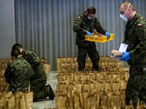 Szef MON: Blisko 8,7 tys. żołnierzy i pracowników wojska zaangażowanych w walkę zkoronawirusem