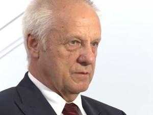 """Prezydent przypomniał słowa Niesiołowskiego o""""szczawiu i mirabelkach"""". Były polityk POodpowiada"""