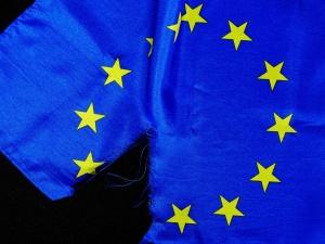KE: Prawo unijne ponad polską Konstytucją. Internauci: Powiedzcie to niemieckiemu TK
