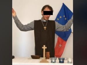 Sławomir K. usłyszał dziś zarzuty m.in. trzykrotnego spalenia flagi Polski