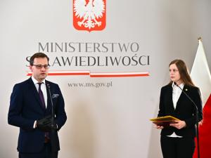 """Działaczka pro-life Zuzanna Wiewiórka wyróżniona medalem """"Zasłużony dla Wymiaru Sprawiedliwości"""""""