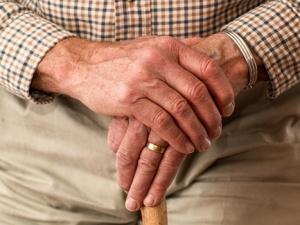 30 milionów z ministerstwa rodziny na wsparcie seniorów