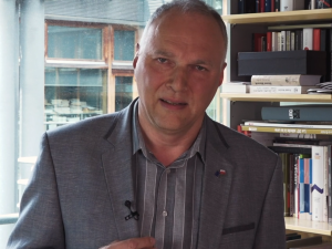 """""""Niezależne dziennikarstwo"""". Wyborcza pomaga zbierać podpisy naTrzaskowskiego. Wicenaczelny apeluje"""